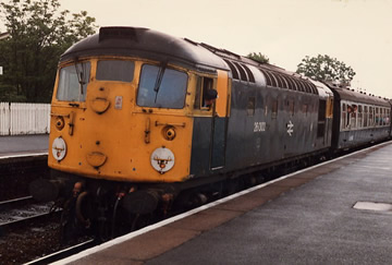 26002 at Inverkeithing on the 1705 Waverley to Cardenden on 03/07/1985. TZ